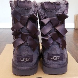 Toddler size 9 ugg bailey bow ruffle boots